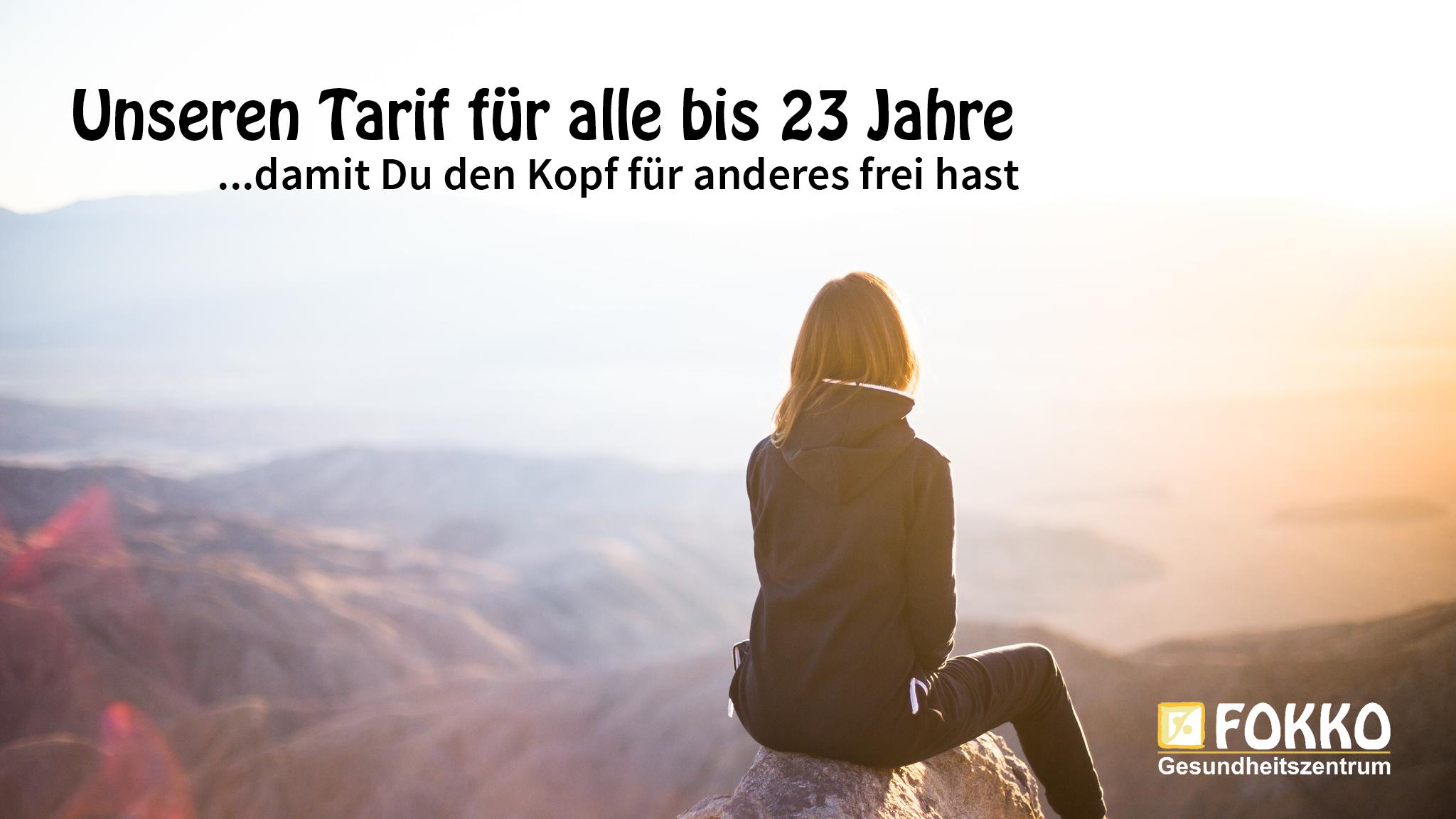 Unseren Junge-Leute-Tarif gibt es für alle, die unter 23 Jahre alt sind. Ihr bezahlt bei einer Laufzeit von 6 Monaten 19,90€/Monat für Geräte- oder Kurstraining und 24,90€/Monat für das All-in Abo. Bei einer Laufzeit von 12 Monaten reduzieren sich die Kosten auf 14,90€/Monat bzw. 19,90€/Monat. Es fällt einmalig eine Bearbeitungsgebühr von 49,00€ an, in der bereits ein Vitalcheck enthalten ist.